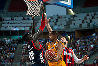 Baskonia's player Ilimane Diop and Tornike Shengelia and Herbalife Gran Canaria's player Eulis Baez during the match of the semifinals of Supercopa of La Liga Endesa Madrid. September 23, Spain. 2016. (ALTERPHOTOS/BorjaB.Hojas)