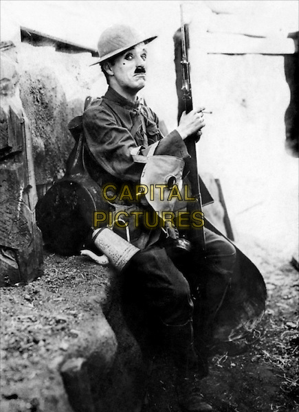 CHARLIE CHAPLIN.in Shoulder Arms.*Filmstill - Editorial Use Only*.CAP/PLF.Supplied by Capital Pictures.