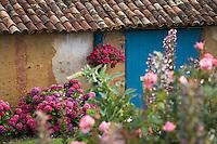 Europe/France/Aquitaine/40/Landes/ Gaujacq: Détail d'un batiment fleuri d'une ferme