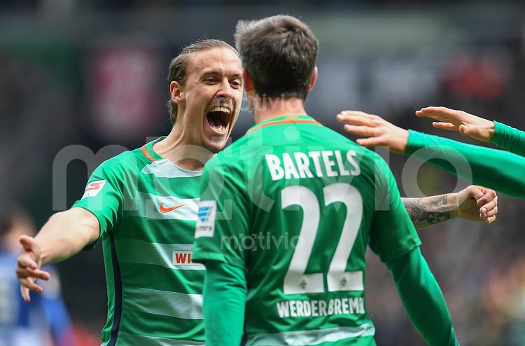 FUSSBALL     1. BUNDESLIGA      31. SPIELTAG    SAISON 2016/2017  SV Werder Bremen - Hertha BSC Berlin                          29.04.2017 Max Kruse (li) und Fin Bartels (re, beide  SV Werder Bremen) bejubeln den Treffer zum 1:0