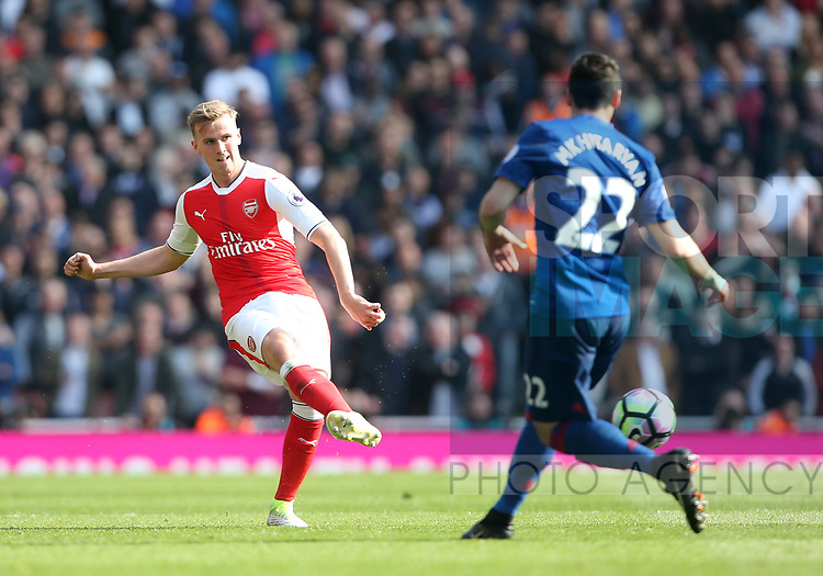 Arsenal's Rob Holding in action during the Premier League match at the Emirates Stadium, London. Picture date: May 7th, 2017. Pic credit should read: David Klein/Sportimage