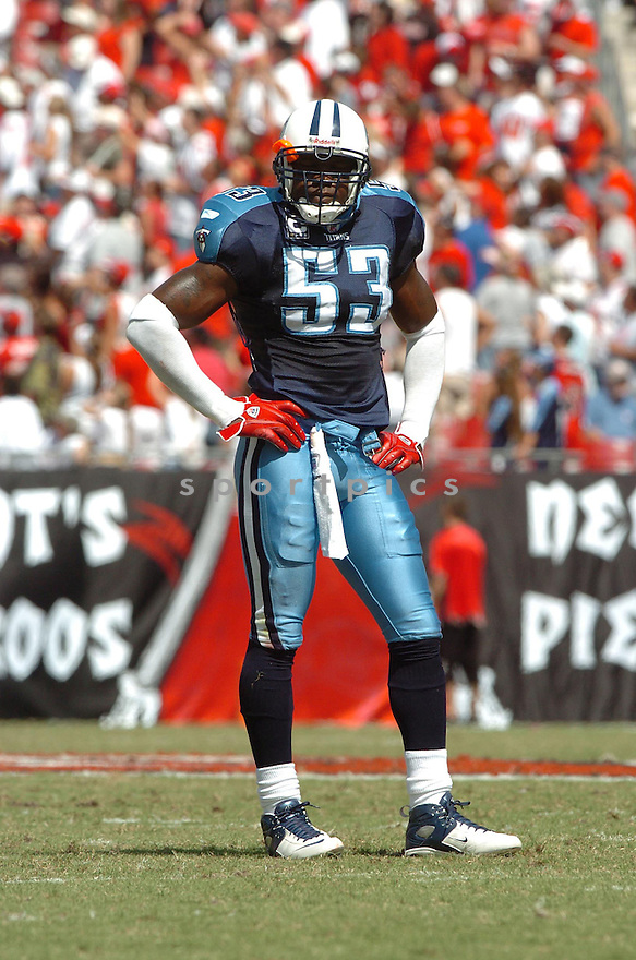 KEITH BULLUCK, of the Tennessee Titans , in action during the Titans games against the Tampa Bay Buccaneers , in Tampa Bay, FL on October 14, 2007.  ..The Buccaneers won the game 13-10...COPYRIGHT / SPORTPICS..........
