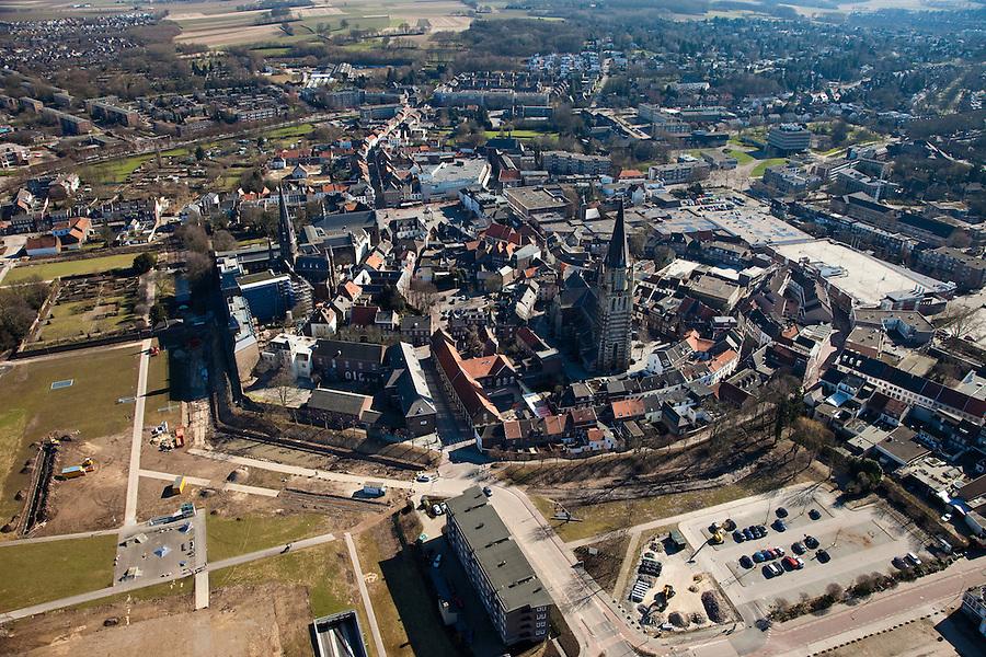 Nederland, Limburg, Gemeente Sittard-Geleen., 07-03-2010; Sittard, centrum met Petrus Stoel van Antochiekerk te Sittard.luchtfoto (toeslag), aerial photo (additional fee required).foto/photo Siebe Swart