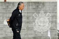SAO PAULO, SP 27 SETEMBRO 2013 - TREINO CORINTHIANS - O técnico Tite durante o treino de hoje, no Ct. Dr. Joaquim Grava. foto: Paulo Fischer/Brazil Photo Press.