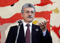 Italian Foreign Minister Massimo D'Alema gestures during the final news conference after the meeting on the Lebanon crisis at the Farnesina Palace, the Italian Foreign Ministry in Rome July 26, 2006.<br /> Il Ministro degli Esteri Massimo D'Alema durante la conferenza stampa al terminde del Summit sul Medio Oriente e sulla crisi tra Libano e Israele.<br /> Photo Andrea Staccioli Insidefoto