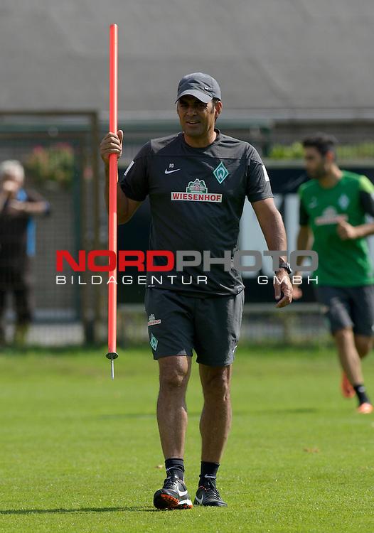 09.08.2013, Trainingsgelaende, Bremen, GER, 1.FBL, Training Werder Bremen, im Bild Robin Dutt (Trainer Werder Bremen)<br /> <br /> Foto &copy; nph / Frisch