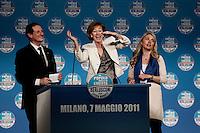 Milano: Letizia Moratti balla sul palco del Palasharp durante la campagna elettorale per l'elezione del sindaco di Milano.