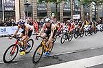 06.07.2019,  Innenstadt, Hamburg, GER, Hamburg Wasser World Triathlon, Elite Mainner, im Bild die Triathleten auf dem Fahrrad auf der Moenckebergstrasse mit Lasse Luehrs (Lührs GER) Foto © nordphoto / Witke *** Local Caption ***