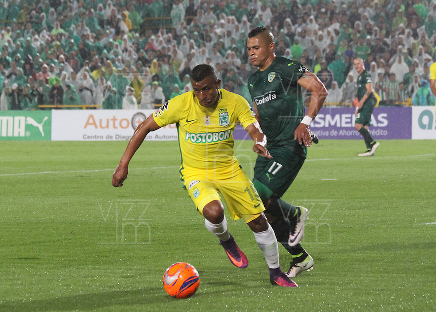 BOGOTA -COLOMBIA, 25-02-2017. Diego Alvarez (R)player of La Equidad fights the ball against of  Farid Diaz (L)  palyer of Atletico Nacional .Action game between  La Equidad and Atletico Nacional during match for the date 5 of the Aguila League I 2017 played at Ne stadium . Photo:VizzorImage / Felipe Caicedo  / Staff