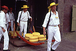 Europe, NLD, Netherlands, Province North Holland, Alkmaar, Cheesemarket, Carrier in typical traditional dress ....[ For each utilisation of my images my General Terms and Conditions are mandatory. Usage only against use message and proof. Download of my General Terms and Conditions under http://www.image-box.com or ask for sending. A clearance before usage is necessary...Material is subject to royalties. Each utilisation of my images is subject to a fee in accordance to the present valid MFM-List...Contact | archive@image-box.com | www.image-box.com ]