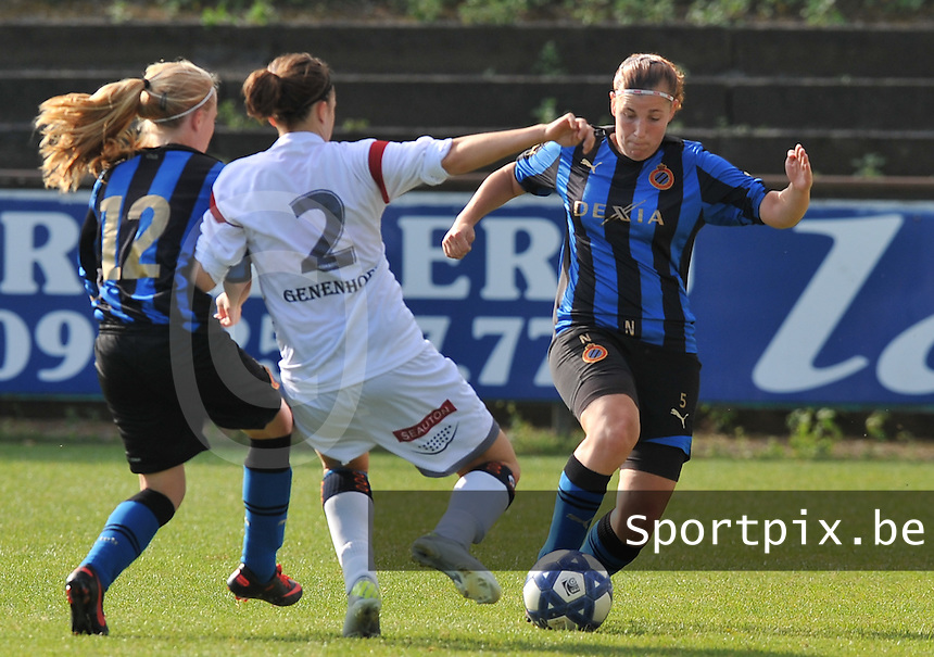 Club Brugge Dames - OHL Oud Heverlee Leuven Dames :  Lita Pouseele aan de bal (rechts).Foto David Catry / Vrouwenteam.be