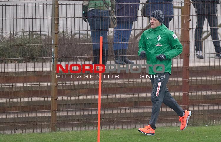 23.01.2014, Trainingsgelaende, Bremen, GER, 1.FBL, Training Werder Bremen, im Bild Clemens Fritz (Bremen #8)<br /> <br /> Foto &copy; nordphoto / Frisch