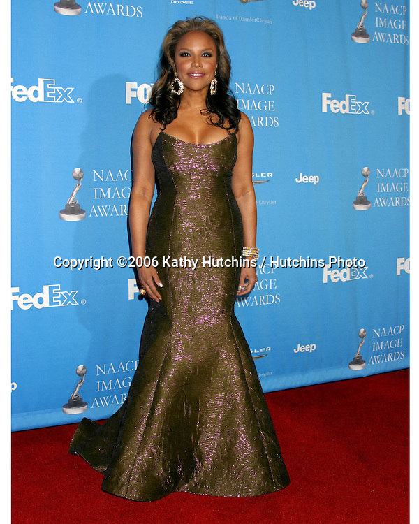 Lynn Whitfield.37th NAACP Image Awards.Shrine Auditorium.Los Angeles, CA.February 25, 2006.©2006 Kathy Hutchins / Hutchins Photo....                 V