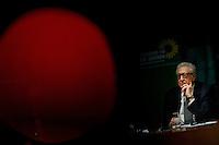 Berlin, Lakhdar Brahimi, der Syrien-Sondergesandte der Vereinten Nationen und der Arabischen Liga (r.) am Donnerstag (27.02.2014) bei einer Diskussion zu Syrien nach Genf II im Bundestag. Foto: Steffi Loos/CommonLens
