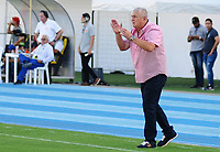 BARRANCABERMEJA - COLOMBIA, 04-08-2019: Eduardo Lara técnico de Envigado gesticula durante partido por la fecha 4 de la Liga Águila II 2019 entre Alianza Petrolera y Envigado F.C. jugado en el estadio Daniel Villa Zapata de la ciudad de Barrancabermeja. / Eduardo Lara coach of Envigado gestures during match for the date 4 as part of Aguila League II 2019 between Alianza Petrolera and Envigado F.C. played at Daniel Villa Zapata stadium in Barrancabermeja city. Photo: VizzorImage / Jose Martinez / Cont