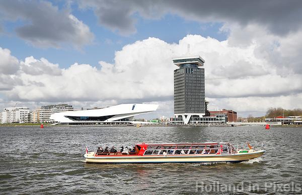 Nederland Amsterdam 2016 04 17. Amsterdam Noord met Filmmuseum EYE en de A'dam Toren.  Foto Berlinda van Dam / Hollandse hoogte