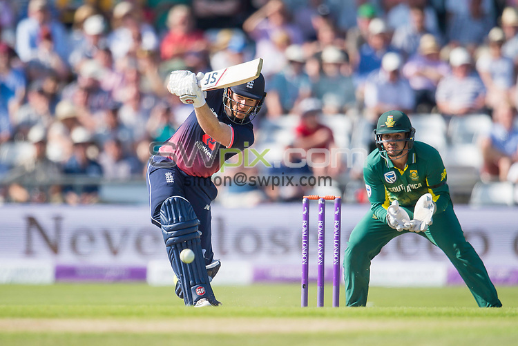 Picture by Allan McKenzie/SWpix.com - 24/05/2017 - Cricket - Royal London One-Day International - England v South Africa - Headingley Cricket Ground, Leeds, England - England's Eoin Morgan hits out on his way to a century against South Africa.