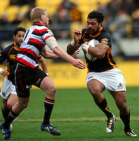 Wellington's Fafili Levave runs into Baden Kerr. ITM Cup - Wellington Lions v Counties-Manukau Steelers at Westpac Stadium, Wellington, New Zealand on Sunday, 8 August 2010. Photo: Dave Lintott/lintottphoto.co.nz.
