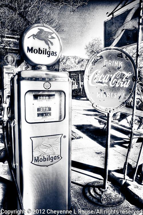 Mobilgas pump - Route 66 - Arizona