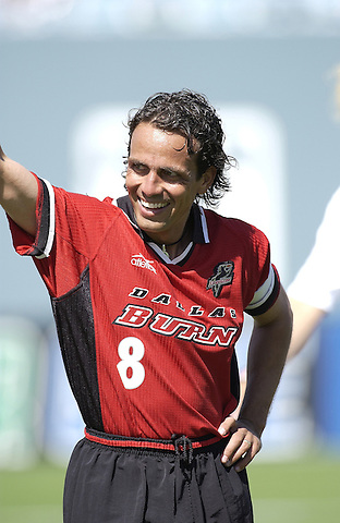 DALLAS, TX -MAY 18: Oscar Pareja #8 of the Dallas Burn prior to the start of the match against the Colorado Rapids at Cotton Bowl in Dallas on May 18, 2002 in Dallas, Texas. Burn win 3-1. (Photo by Rick Yeatts)