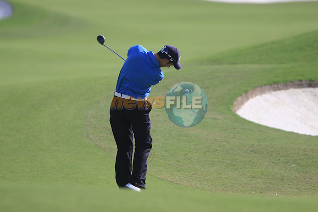 Ross Fisher plays his 2nd shot on the 7th hole during  Day 2 at the Dubai World Championship Golf in Jumeirah, Earth Course, Golf Estates, Dubai  UAE, 20th November 2009 (Photo by Eoin Clarke/GOLFFILE)
