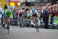 WIELRENNEN: SURHUISTERVEEN: Centrum, 31-07-2012, 31e Profronde van Surhuisterveen, eindsprint tussen Peter Sagan (SLO) en Mark Cavendish (GBR) wordt gewonnen door de Britse wereldkampioen, ©foto Martin de Jong