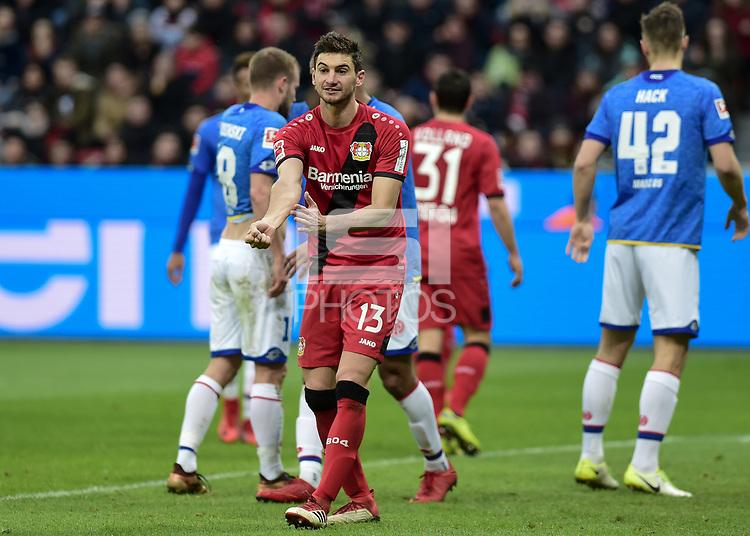 Football : Germany -1. Bundesliga  2017/18 <br /> Bayer Leverkusen 04 vs Mainz <br /> 28/01/2018 - Lucas Alario ( Bayer 04 Leverkusen) gestures to the linesman indicating that it was a handball on the box. *** Local Caption *** &copy; pixathlon<br /> Contact: +49-40-22 63 02 60 , info@pixathlon.de