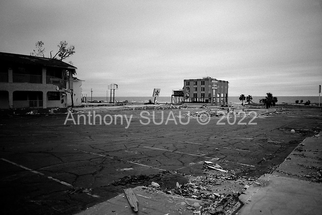 Biloxi, Mississippi.USA.December 2, 2005 ..Hurricane Katrina damage and recovery along the coast. Dozens of hotels and restaurant are destroyed....