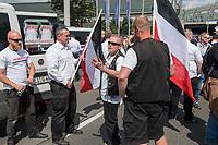 """Ueber 1.000 Rechtsextreme aus mehreren Bundeslaendern demonstrieren am Samstag den 19. August 2017 in Berlin zum Gedenken an den Hitler-Stellvertreter Rudolf Hess.<br /> Rudolf Hess hatte am 17. August 1987 im Alliierten Kriegsverbrechergefaengnis in Berlin Spandau Selbstmord begangen. Seitdem marschieren Rechtsextremisten am Wochenende nach dem Todestag mit sog. """"Hess-Maerschen"""".<br /> Weit ueber 1.000 Menschen protestierten gegen den Aufmarsch der Rechtsextremisten und stoppten den Hess-Marsch nach 300 Metern u.a. mit Sitzblockaden. Der rechtsextreme Aufmarsch wurde daraufhin von der Polizei umgeleitet.<br /> Aus dem Aufmarsch wurden mehrfach Gegendemonstranten angegriffen, mindestens ein Neonazi wurde festgenommen.<br /> 19.8.2017, Berlin<br /> Copyright: Christian-Ditsch.de<br /> [Inhaltsveraendernde Manipulation des Fotos nur nach ausdruecklicher Genehmigung des Fotografen. Vereinbarungen ueber Abtretung von Persoenlichkeitsrechten/Model Release der abgebildeten Person/Personen liegen nicht vor. NO MODEL RELEASE! Nur fuer Redaktionelle Zwecke. Don't publish without copyright Christian-Ditsch.de, Veroeffentlichung nur mit Fotografennennung, sowie gegen Honorar, MwSt. und Beleg. Konto: I N G - D i B a, IBAN DE58500105175400192269, BIC INGDDEFFXXX, Kontakt: post@christian-ditsch.de<br /> Bei der Bearbeitung der Dateiinformationen darf die Urheberkennzeichnung in den EXIF- und  IPTC-Daten nicht entfernt werden, diese sind in digitalen Medien nach §95c UrhG rechtlich geschuetzt. Der Urhebervermerk wird gemaess §13 UrhG verlangt.]"""