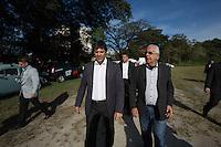 SAO PAULO, SP, 17.07.2014 - PREFEITO HADDAD / CHACARA DO JOCKEY. O prefeito de São Paulo, Fernando Haddad , durante visita a   Chacara do Jockey Clube, na zona oeste da capital paulista. A Chácara do Jockey, uma área verde de 169 mil m² localizada na região do Butantã, na zona oeste de São Paulo, será transformada em parque municipal.A prefeitura  deve pagar R$ 64 milhões pela desapropriação do terreno utilizado atualmente como escolinha de futebol. Dono da área, o Jockey Club de São Paulo aceitou negociar o valor em troca de um abatimento na dívida de IPTU que mantém com a Prefeitura. (Foto: Adriana Spaca/Brazil Photo Press)