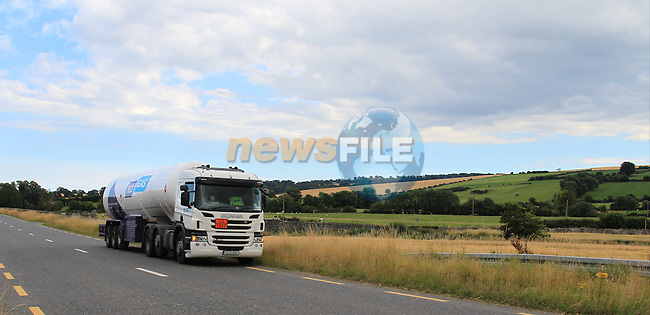 New FLO GAS Tanker on Julianstown to Duleek road.<br /> Picture www.newsfile.ie