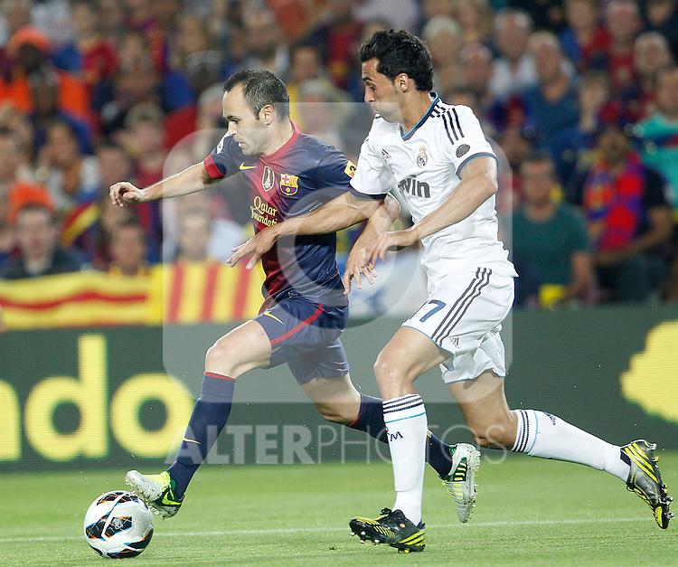 Barcelona's Andres Iniesta and Real Madrid's Alvaro Arbeloa during la Liga match on october 7th 2012. ..Photo: Cesar Cebola  / ALFAQUI