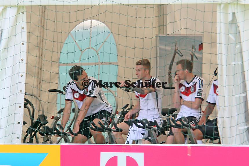 Mats Hummels, MArco Reus, Kevin Großkreutz - Abschlusstraining der Deutschen Nationalmannschaft gegen die U20 im Rahmen der WM-Vorbereitung in St. Martin