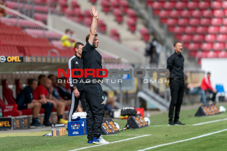 Florian Kohfeldt (Trainer SV Werder Bremen)<br /> <br /> <br /> Sport: nphgm001: Fussball: 1. Bundesliga: Saison 19/20: 33. Spieltag: 1. FSV Mainz 05 vs SV Werder Bremen 20.06.2020<br /> <br /> Foto: gumzmedia/nordphoto/POOL <br /> <br /> DFL regulations prohibit any use of photographs as image sequences and/or quasi-video.<br /> EDITORIAL USE ONLY<br /> National and international News-Agencies OUT.