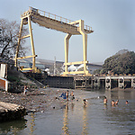 building a new bridge on the ganges in Kolkata