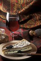 Gastronomie générale/Repas de Réveillon: Brie de meaux aux truffes avec un Châteauneuf du Pape