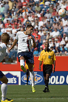 Clint Dempsey (United States, white) heads the ball on net. The United States defeated Panama, 2-1, in the quarterfinals of the CONCACAF Gold Cup, in Gillette Stadium, June 16, 2007.