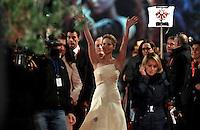 """L'attrice statunitense Jennifer Lawrence posa sul red carpet per la presentazione del film """"Hunger Games - La ragazza di fuoco"""" (""""The Hunger Games: Catching Fire"""") all'ottava edizione del Festival Internazionale del Film di Roma, 14 novembre 2013.<br /> U.S. actress Jennifer Lawrence poses on the red carpet to present the movie """"The Hunger Games: Catching Fire"""" during the 8th edition of the international Rome Film Festival at Rome's Auditorium, 14 November 2013.<br /> UPDATE IMAGES PRESS/Isabella Bonotto"""