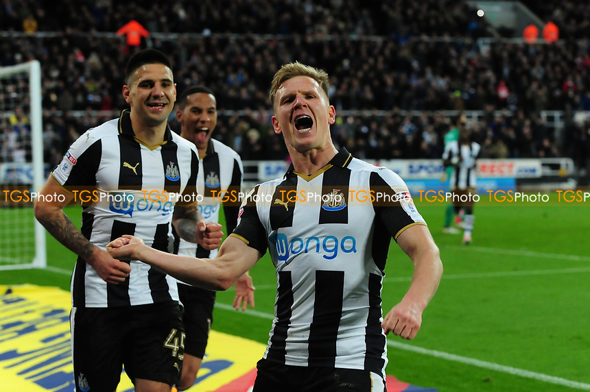 Matt Ritchie of Newcastle United celebrates scoring Newcastle United's third goal during Newcastle United vs Preston North End, Sky Bet EFL Championship Football at St. James' Park on 24th April 2017