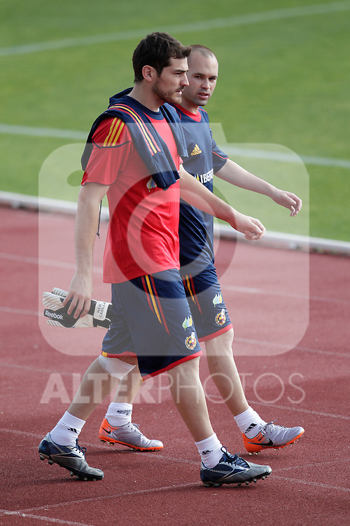 MADRID (25/05/09).- The Spanish Soccer national training session.  Iker Casillas and Andres Iniesta...PHOTO: Cesar Cebolla / ALFAQUI