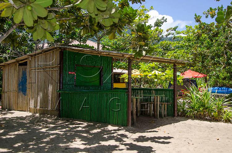 Quiosque de bambu na Praia do Sono, Paraty - RJ, 01/2016.