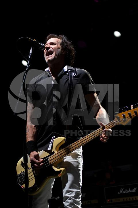 SÃO PAULO, SP, 29.10.2019 - SHOW-SP - A banda americana Bad Religion durante show na noite desta terça-feira, 29, no Espaço das Américas em São Paulo. (Foto: Levi Bianco\Brazil Photo Press\Folhapress)
