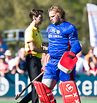 BLOEMENDAAL   - Hockey -  2e wedstrijd halve finale Play Offs heren. Bloemendaal-Amsterdam (2-2) . A'dam wint shoot outs. keeper Philip van Leeuwen (A'dam) is de Amsterdamkeeper bij de shoot outs.  COPYRIGHT KOEN SUYK