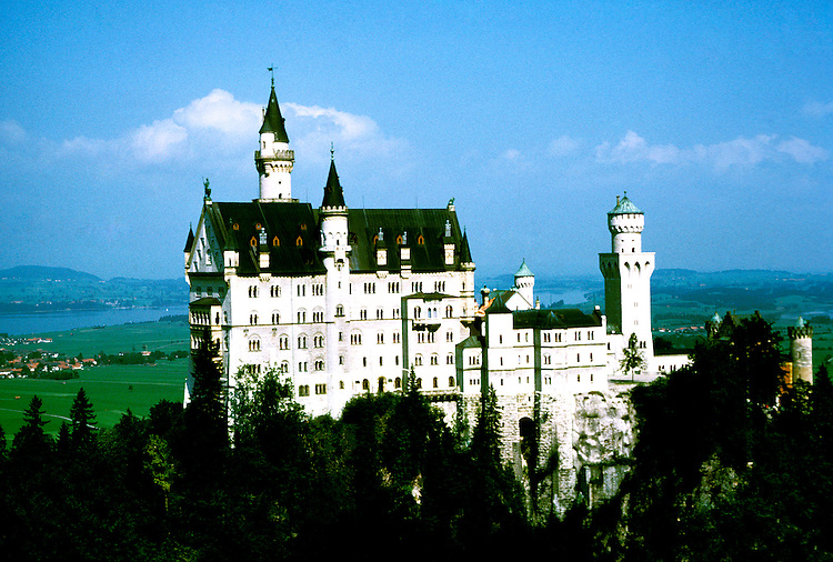 Germany: Bavaria, Castle Neuschwanstein.  Photo: grroma101.Photo copyright Lee Foster, 510/549-2202, lee@fostertravel.com, www.fostertravel.com