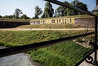 Le Tour... A LA FOLIE / The Tour... MADNESS<br /> Stage Start inside the Arras citadel. <br /> <br /> Stage 9: Arras Citadelle > Roubaix (154km)<br /> <br /> 105th Tour de France 2018<br /> ©kramon