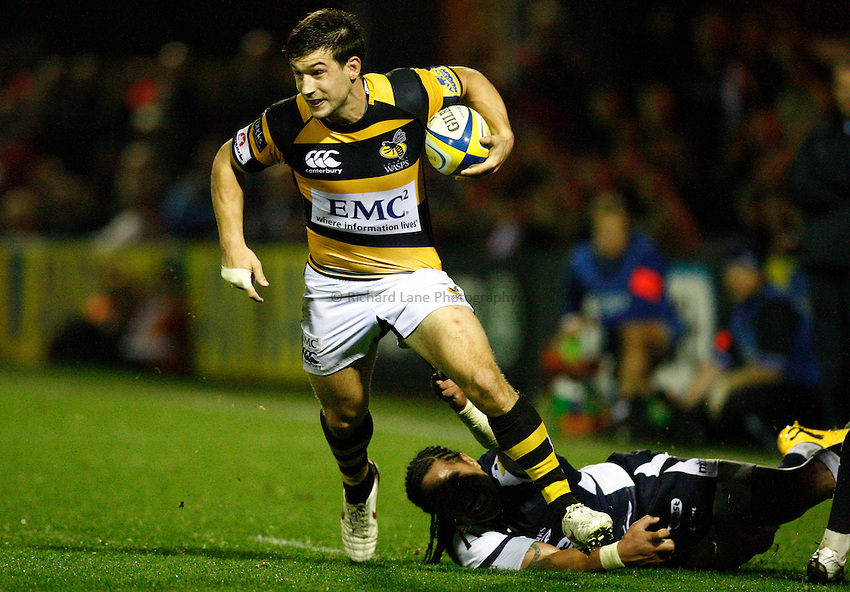 Photo: Richard Lane/Richard Lane Photography. Sale Sharks v London Wasps. Aviva Premiership. 01/10/2010. Wasps' Dominic Waldouck breaks from Sale's Andy Tuilagi.
