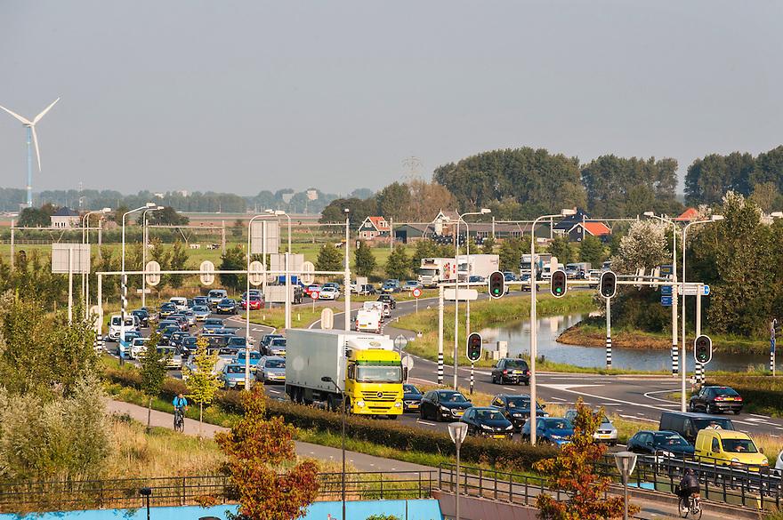 Nederland, Zaanstad, 4 sept 2014<br /> Verkeerssituaties rond zaanstad. <br /> <br /> Foto: (c) Michiel Wijnbergh