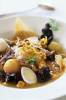 """Asie/Birmanie/Myanmar/Yangon: """"Mandalay Soup"""" - Soupe de poulet et cheveux d'ange à la Citronnelle - Recette de Bruno Oustric chef de l'hôtel """"Pan Sea"""""""