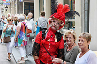 Nederland Amsterdam  2017.   Hartjesdag op de Zeedijk in Amsterdam. Mannen zijn verkleed als vrouwen en omgekeerd.  Foto mag niet in negatieve context gebruikt worden.   Foto Berlinda van Dam / Hollandse Hoogte