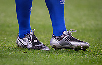 Wayne Rooney of Everton retro Nike Total 90 Laser IIs design Nike football boots displaying WR during the Carabao Cup round of 16 match between Chelsea and Everton at Stamford Bridge, London, England on 25 October 2017. Photo by Andy Rowland.